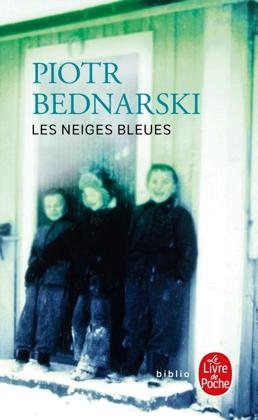 La première page de couverture du récit émouvant qui offre une vision riche en contrastes sur la Sibérie de l'époque soviétique et sur le sort des enfants. Les neiges bleues